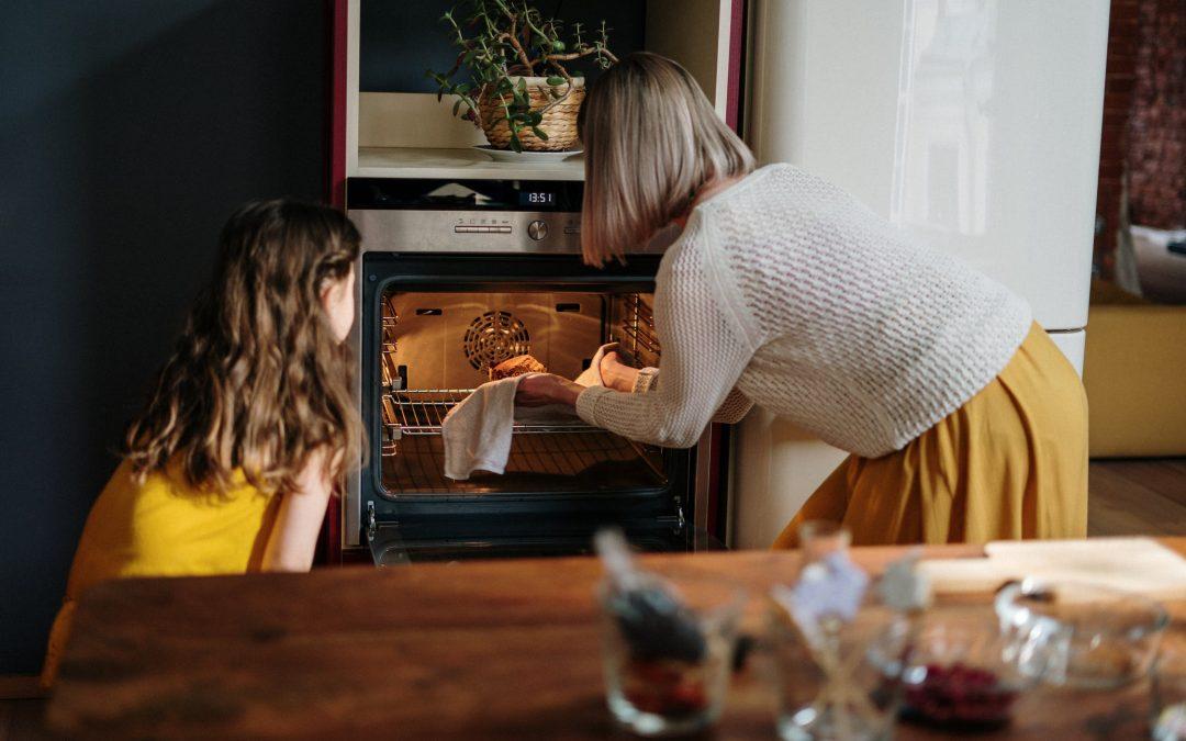 Gør madlavningen lettere i en hverdag med børn
